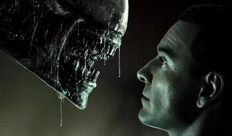 bacio gay alien covenant